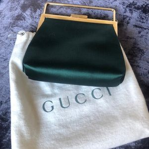 GUCCI EMERALD SATIN MINI CLUTH WITH GOLD DETAILING